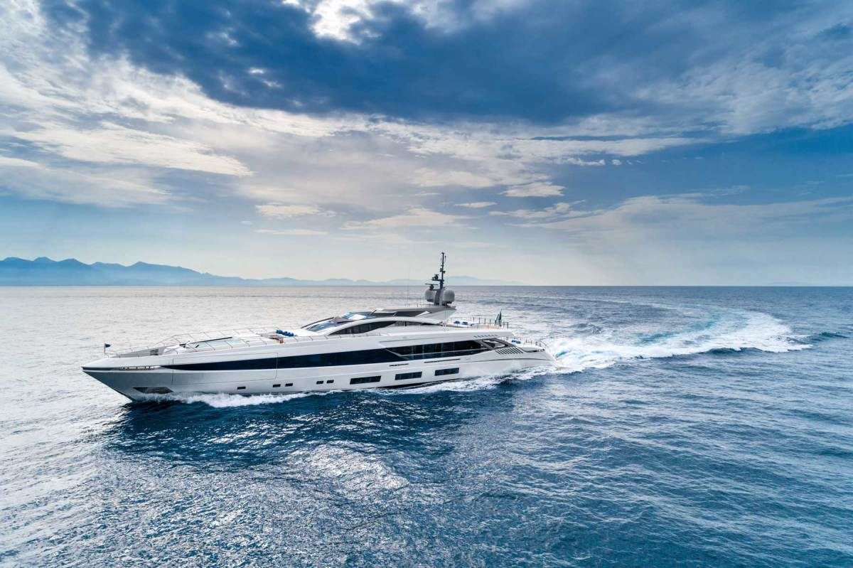 The Gransport 54 El Leon is the first 177-footer (54-meter) in an all-aluminum series of fast displacement yachts. Tellingly, she was delivered to the repeat owner of three Mangusta Maxi Opens.