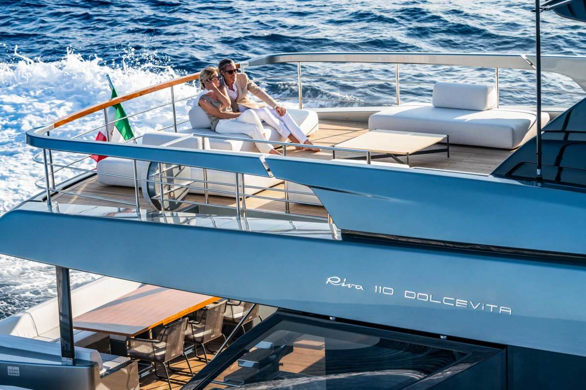 The Dolcevita's asymmetry means that guests on the aft deck are just a level stroll away from the foredeck seating.