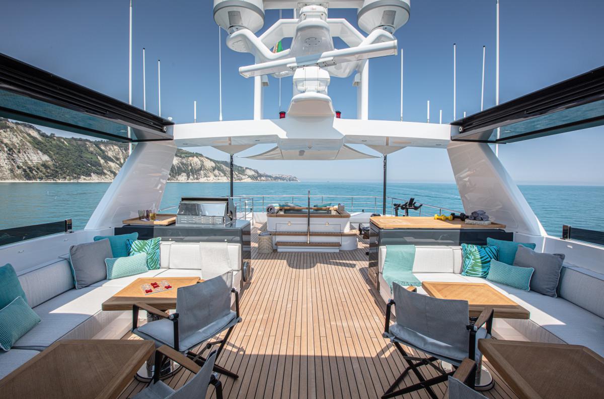 Archipelago_Sun deck.2