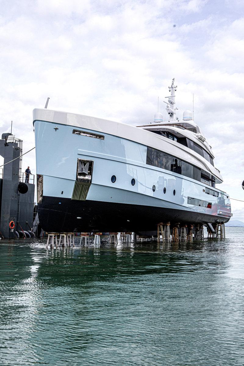 Varo-motoryacht-CROCUS_ADMIRAL-(4)
