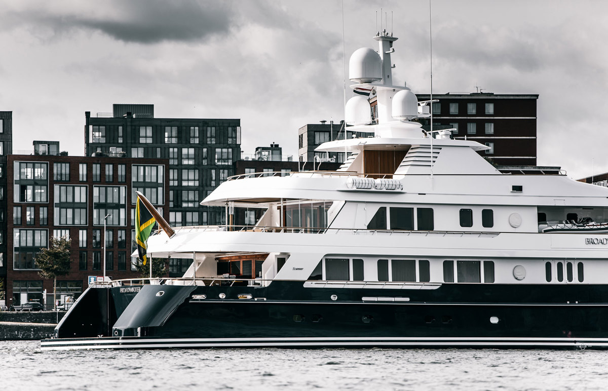 Broadwater-hull-conversion-H-after-Huisfit-project---photo-by-Charl-van-Rooy-CVR_7707