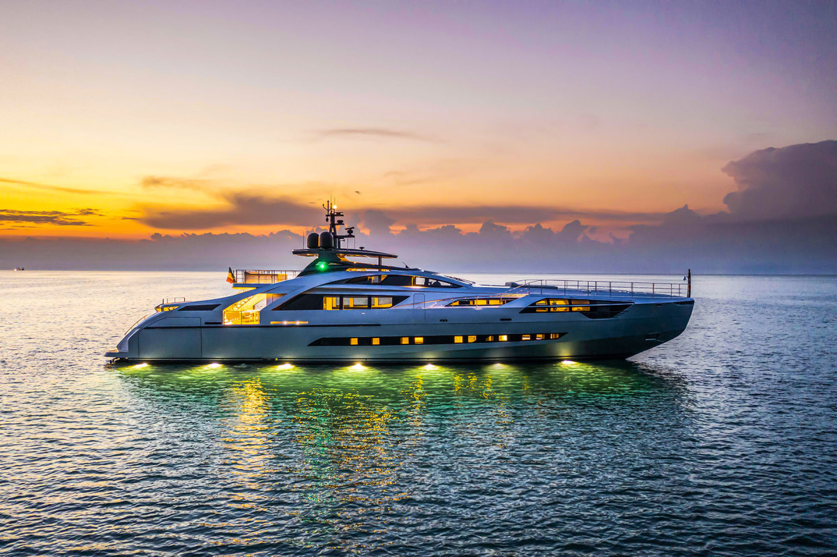 The Pershing 140 Touch Me shows off her svelte lines and evening colors.