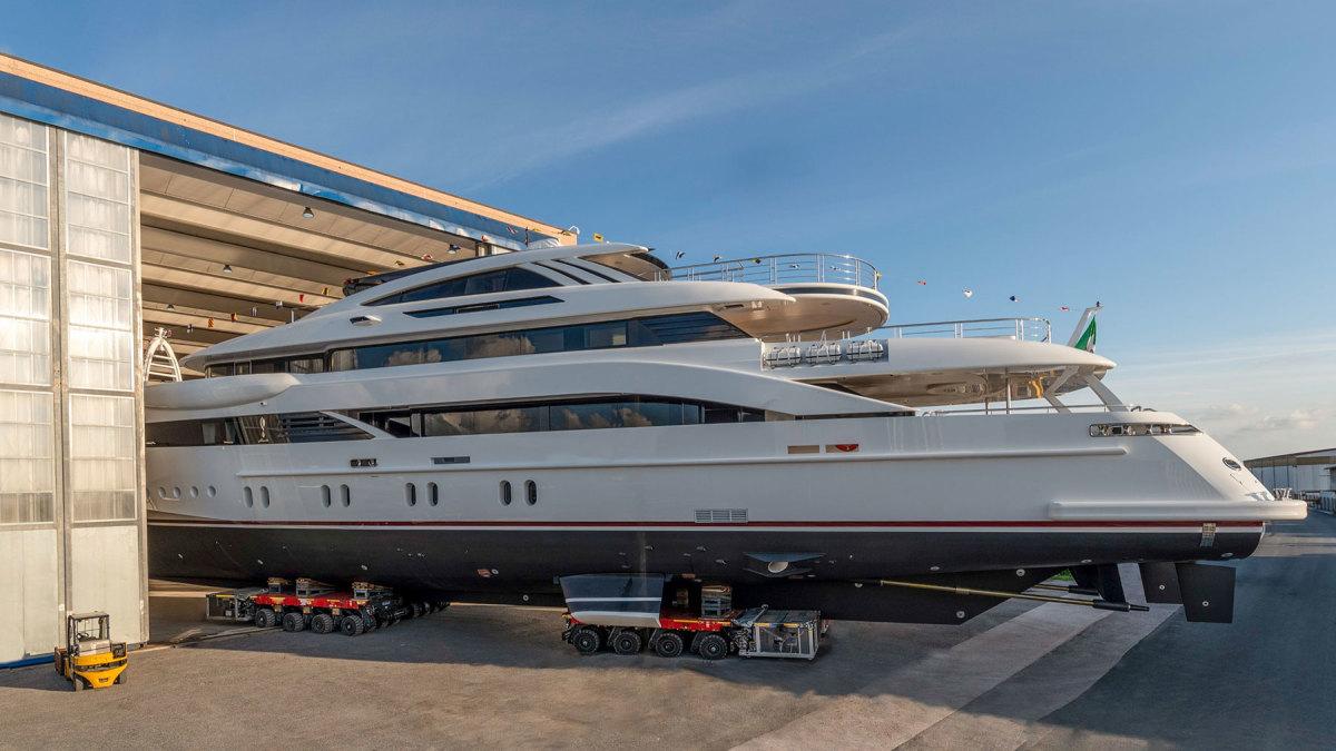 Rossinavi-52m-motor-yacht-Florentia-Photo-credit-by-Michele-Chiroli_Image-4