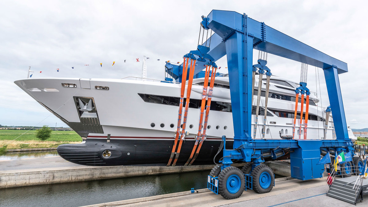 Rossinavi-52m-motor-yacht-Florentia-Photo-credit-by-Michele-Chiroli_Image-1