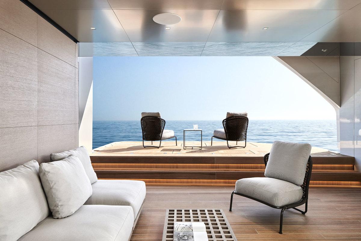 37---Sanlorenzo_62Steel_Lower-Deck_Beach-area-©Guillaume-Plisson